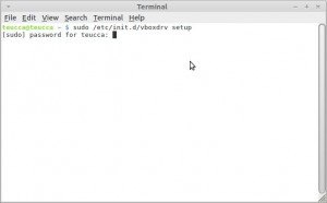 Seuraavaksi avaa Pääte ja kirjoita tai kopioi sinne seuraavaan komennon. sudo /etc/init.d/vboxdrv setup  Paina Enter ja kirjoita salasana ja uudelleen ja Enter. Tämä voi kestää muutaman minuutin, vain odottaa.