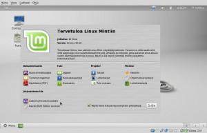 Heti asennuksen jälkeen tehdään muutamia lisäyksiä ja päivityksiä. Mikäli olet asentanut CD-version pitää järjestelmään asentaa Multimedia koodekit sekä päivitä DVD Edition versioon, klikkaamalla Tervetuloa näytöllä vastaavat kuvakkeet alhaalla oikealla ja asentaa ne (DVD-versiossa ne on asentuu oletuksena).  Näin saat täyden multimedia tuen, VLC, Gimp, Giver, Tomboy, LibreOffice-Base, Java, Samba, lisäfontteja, taustat, teemat, ikonit ja kaikki mikä tekee Linux Mint täydellisen, out of the box, käyttöjärjestelmän.